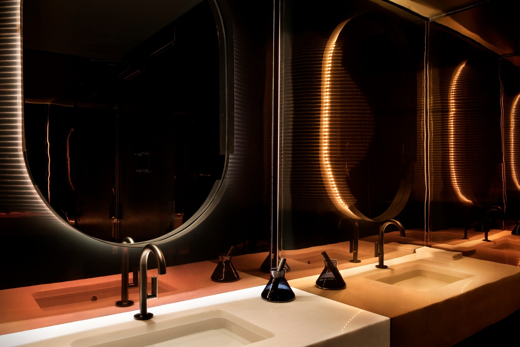 Tom Dixon Himitsu Bar in Atlanta featuring an Elements Water diffuser.
